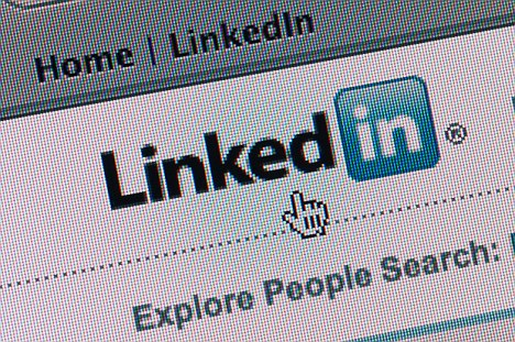 LinkedVis -  Know Your Next Best Job by Exploring LinkedIn Connections