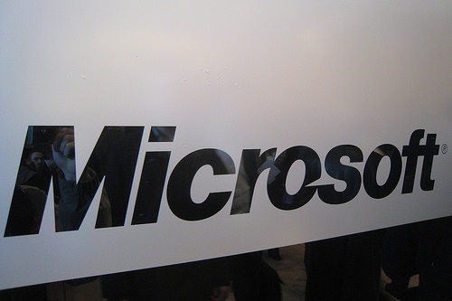 Microsoft Signs Licensing Agreement With Research In Motion
