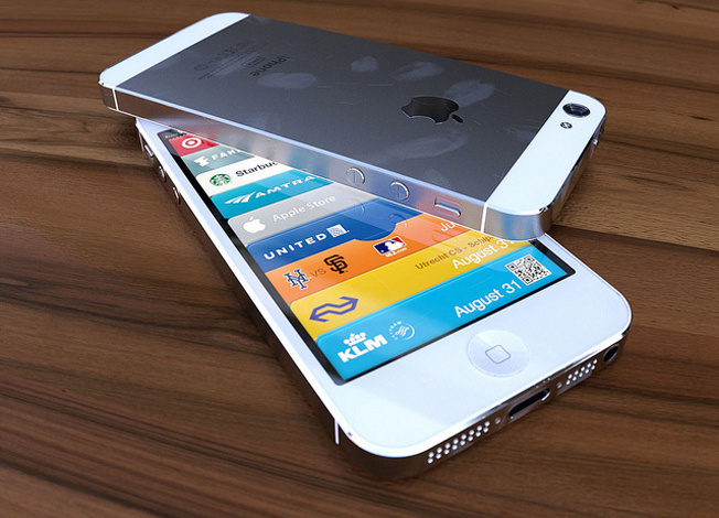 Video Compares iPhone 5 and iPhone 4S Parts to Showcase New Design [Video]