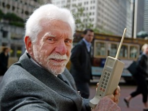 Martin Cooper with his Cell phone prototype Dyna Tac