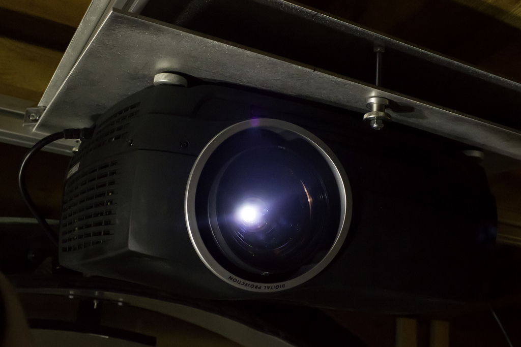 Five Questions to Answer Before You Buy a Business Projector
