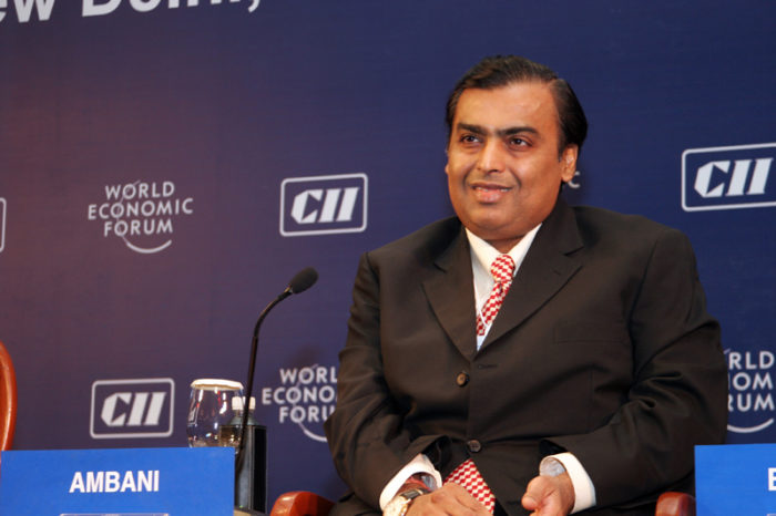 Mukesh Ambani promotes ubiquitous access to high-speed Internet in award acceptance speech