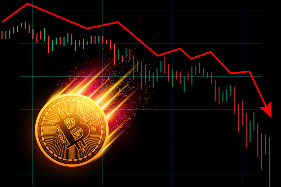 Bitcoin falls further below $4 000; crypto continues plunge